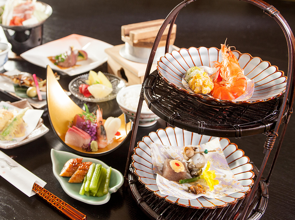 Hotel Taiko Food Chef's recommendation Enjoy Taiko's specialty dinner with food from mountain and seafood.